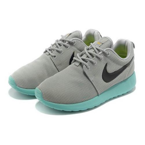 Nike Roshe Run gris